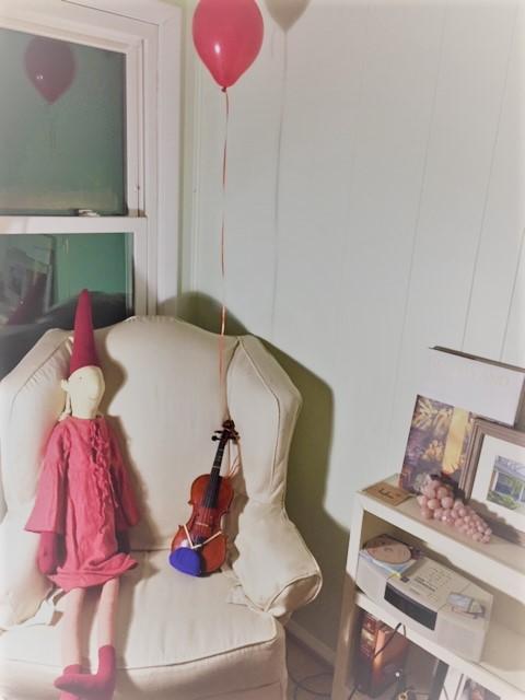 19.12.17 Balloon violin elf